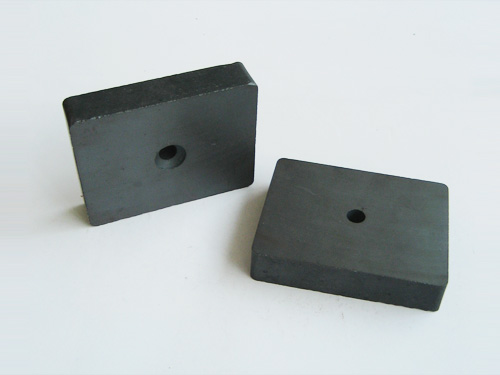 Ferrite rectangular magnet with hole